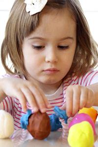 Развиваем творчество ребенка: лепка из пластилина Play Doh