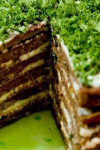 Закусочный торт из печенки