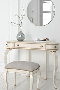Зеркало в спальне по правилам Фэн-шуй