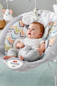 Преимущества кресла-качалки для малыша