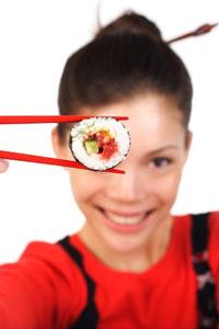 Суші з доставкою: чим така популярна японська кухня