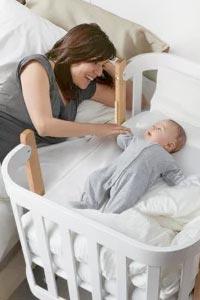 Ліжечко для малюка: як вибрати кращий варіант