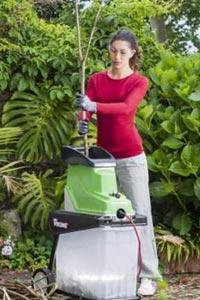 Как выбрать садовый измельчитель для веток?