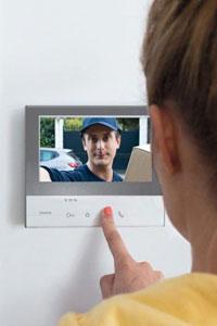 Домофон повышает безопасность вашего жилья