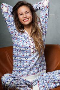 Выбираем комфортные теплые женские пижамы и халаты
