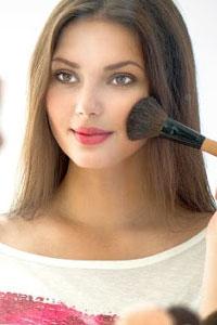 Базовий набір для макіяжу: що має бути у ваші косметичці