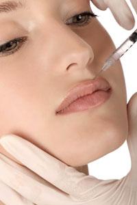 Увеличение губ уколами красоты