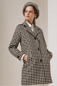 Женское пальто от кутюрье