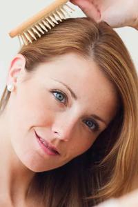 Роскошные волосы: подбираем идеальную щетку для локонов