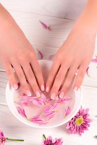 Кутикулы вокруг ногтей — как ухаживать и удалять?