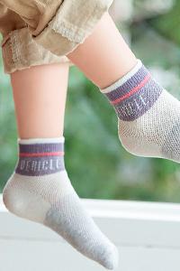 Как подбираться детские носки по сезону и стилю