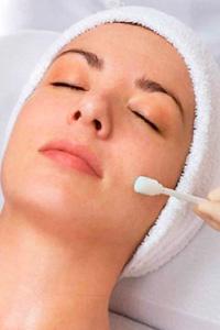 Срединный пилинг – процедура омоложения кожи