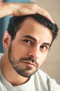 Что такое трансплантация волос и для кого она предназначена?