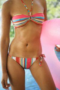 Пляжный сезон - модные купальники 2006