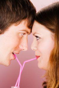 отношения, флирт, искусство флирта, как  научиться флиртовать, мужчина и женщина, любовь, брак, секс, симпатия,  разочарование, поцелуи, ласки, ласка