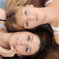 Неявная сторона женской дружбы: диеты они обсуждают, диеты