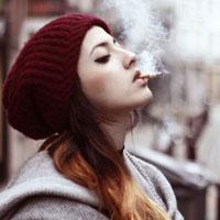 Курящие девушки рискуют заболеть шизофренией
