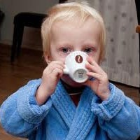Причины детской икоты и избавление от нее народными методами