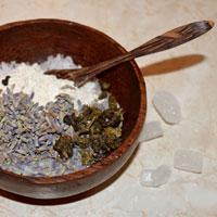 После тяжелого дня: как сделать расслабляющий чай для ванны