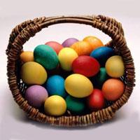 Красим пасхальные яйца: всё только натуральное!