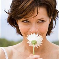 Ученые доказали, что женщины чуют любовь носом