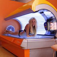 Регулярное посещение солярия в возрасте до 35 лет повышает риск рака кожи на 75%