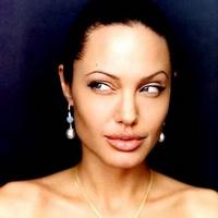Почему Анжелина Джоли решила поправиться