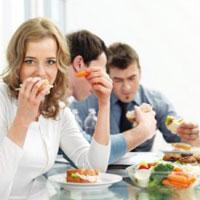 Офисный обед: и «между делом» можно питаться правильно!