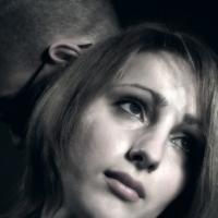 Если женщина избегает близости, виноват гормон