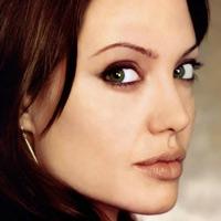 Анджелина Джоли: Нет более безумного занятия, чем быть матерью!