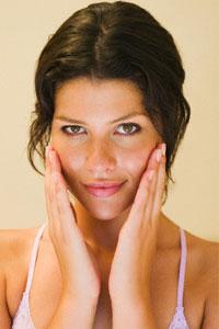 Главная причина шелушения кожи - дерматологический стресс