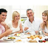 Как избежать переедания в праздники
