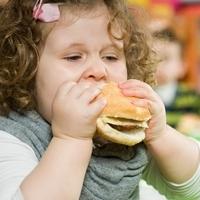Как бороться с ожирением у ребёнка