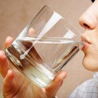 Ученые рассчитали сколько нужно пить воды