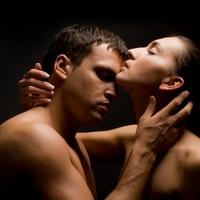 Секс становится лечебным после длительных ласк и поцелуев