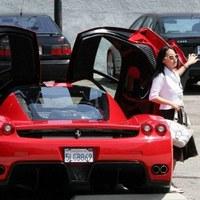 Самые популярные автомобили среди голливудских звезд