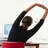 Офисный фитнес поможет держать себя в форме