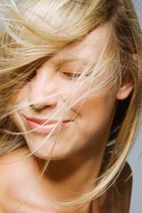 Більшості чоловіків дійсно подобаються блондинки
