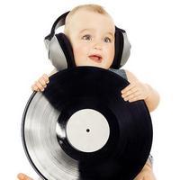 Музыка для детей от 0 до 5: что лучше слушать?