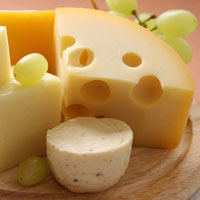 Настоящий сыр и суррогат: как выбрать самый полезный продукт