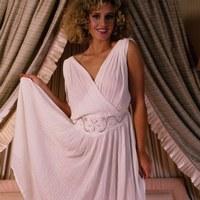 Длинные платья: как их выбирать и носить