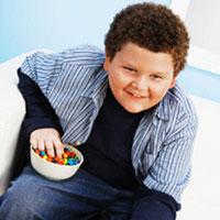 Лишний вес у детей: откуда он берётся и кого считать толстым