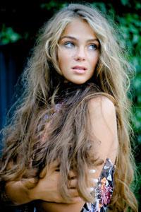 Искусственная естественность: шик нарощенных волос