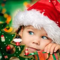 Какой подарок для малыша выбрать на Новый год