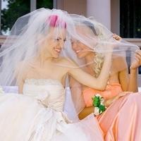 Для чего на свадьбе нужна подружка невесты