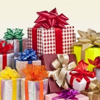 Новый год: кому что дарим?