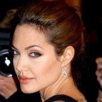 Анджелина Джоли призналась, что спасает её от звёздной болезни