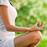 Йога оказывает влияние на химические реакции в мозге
