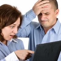 Каждый пятый шпионит в социальных сетях за новой пассией мужа или жены