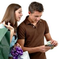 Деньги и отношения: как воспринимать финансовую помощь от мужчины